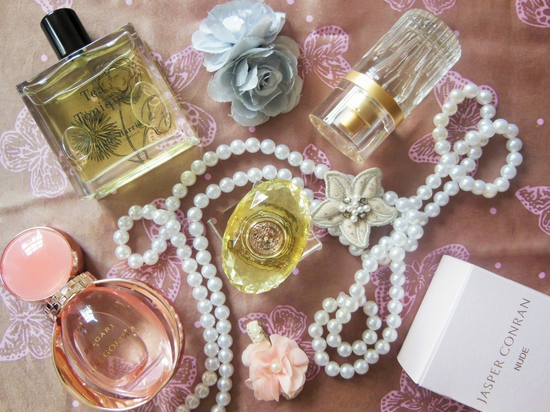 FreshBeautyFix-Fragrance-review-from-rose-to-tea-flatlay