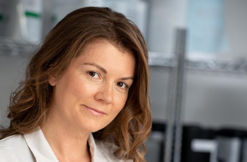 Laura Rudoe founder of Evolve Organic Beauty