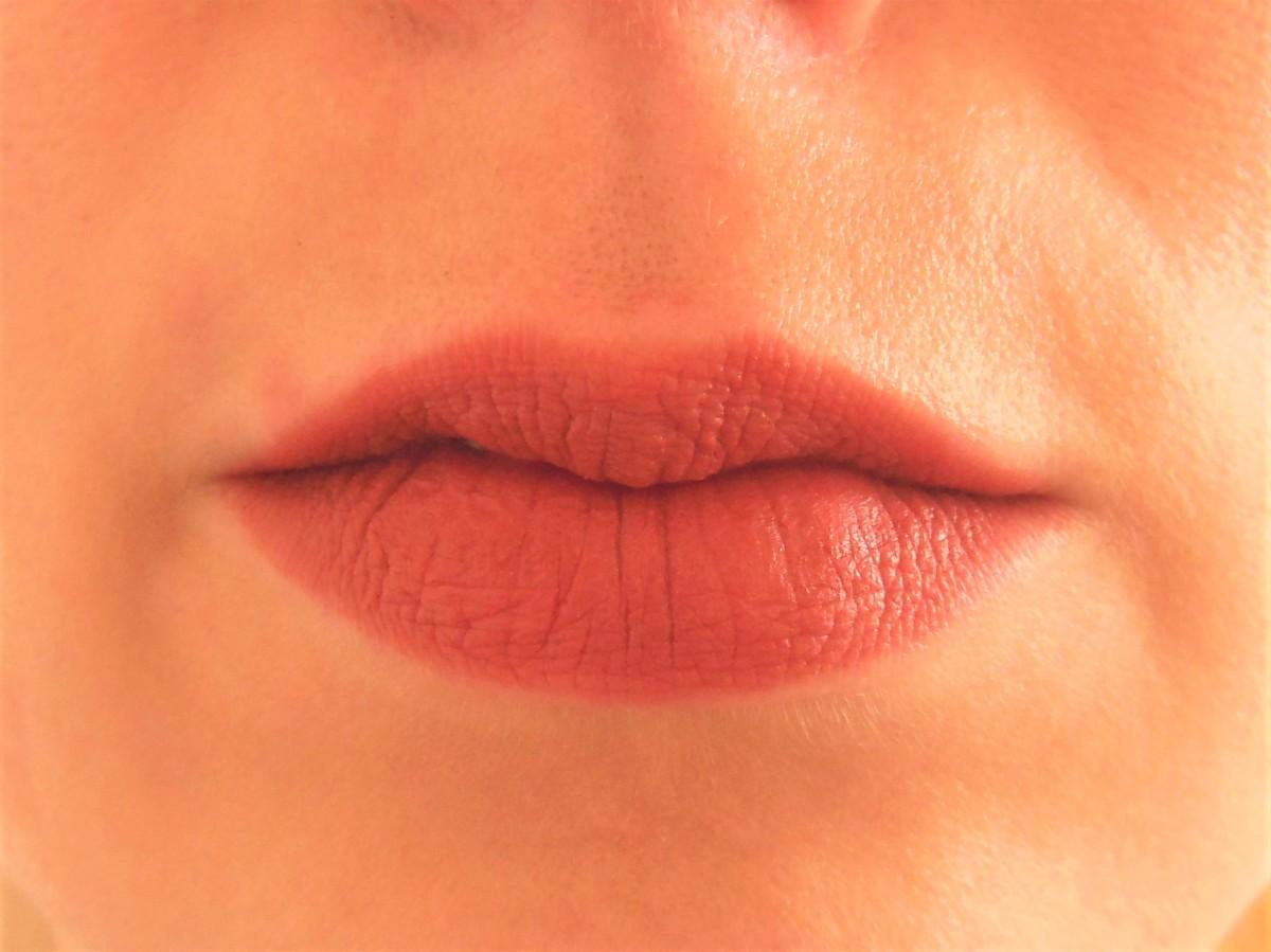 MAC Powder Kiss Lipstick in Sultry Move