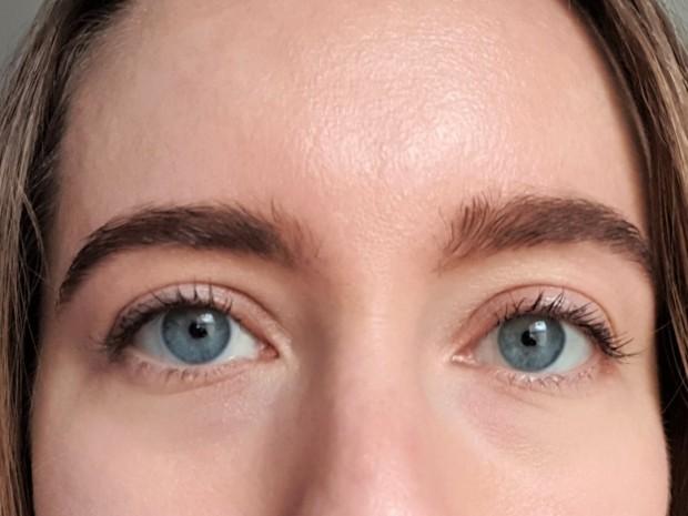 Zuii Organic Volume Mascara on lashes